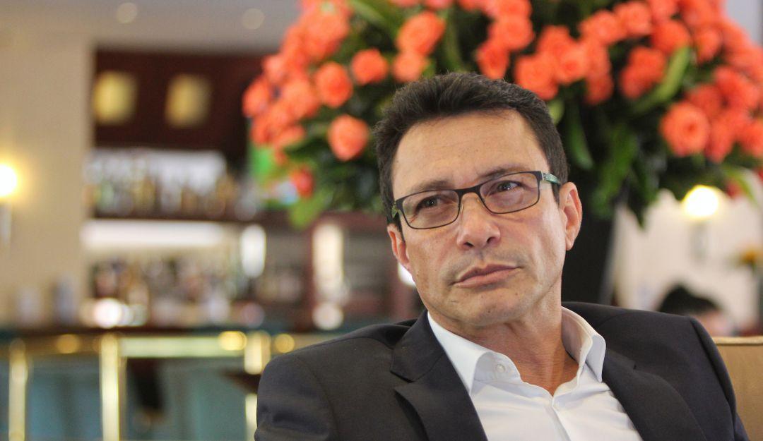 Procuraduría investiga al gobernador Carlos Caicedo por haber salido del país