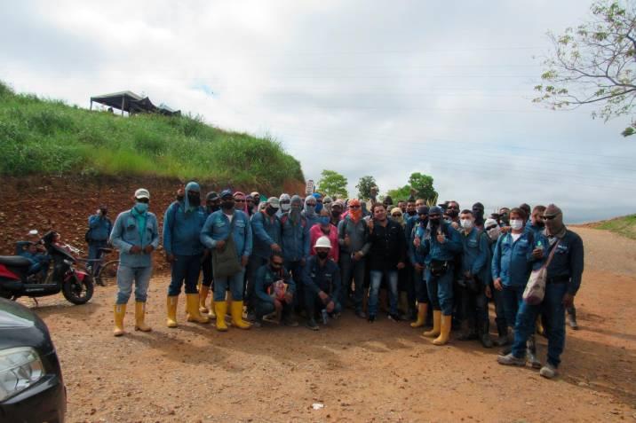 Protesta de trabajadores de la Ptar San Silvestre, en Barrancabermeja